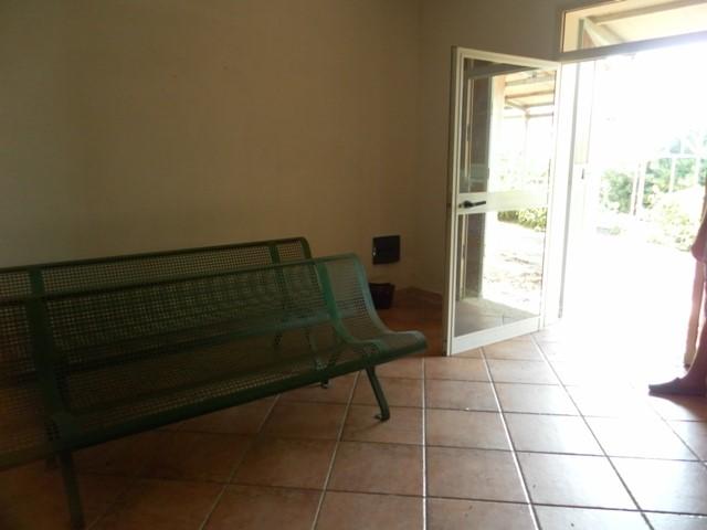 Villa in vendita a Campobello di Mazara, 5 locali, zona Località: TORRETTA GRANITOLA, prezzo € 100.000 | CambioCasa.it