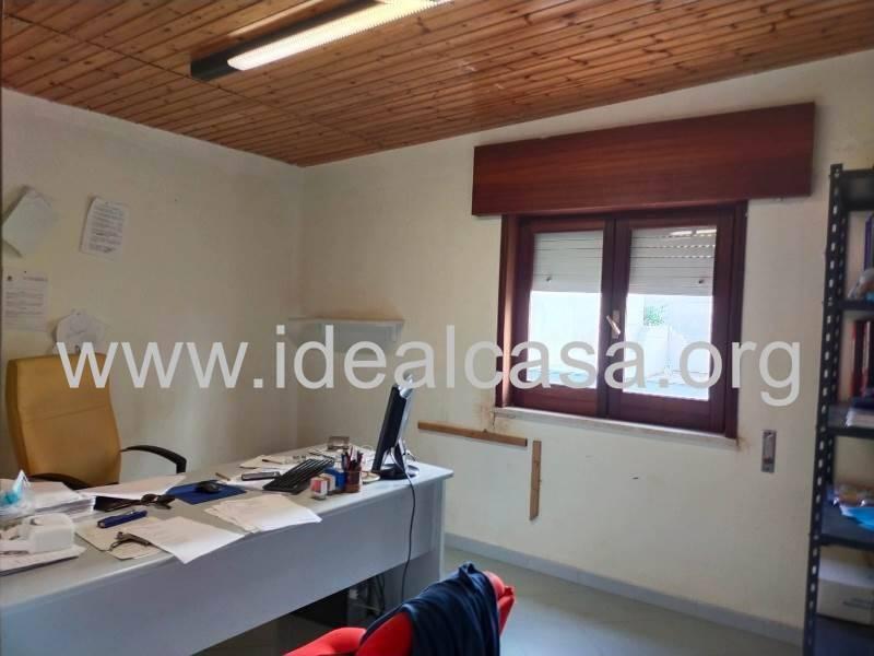 Attività / Licenza in affitto a Mazara del Vallo, 9999 locali, zona Località: TRE VALLI, prezzo € 1.000 | CambioCasa.it