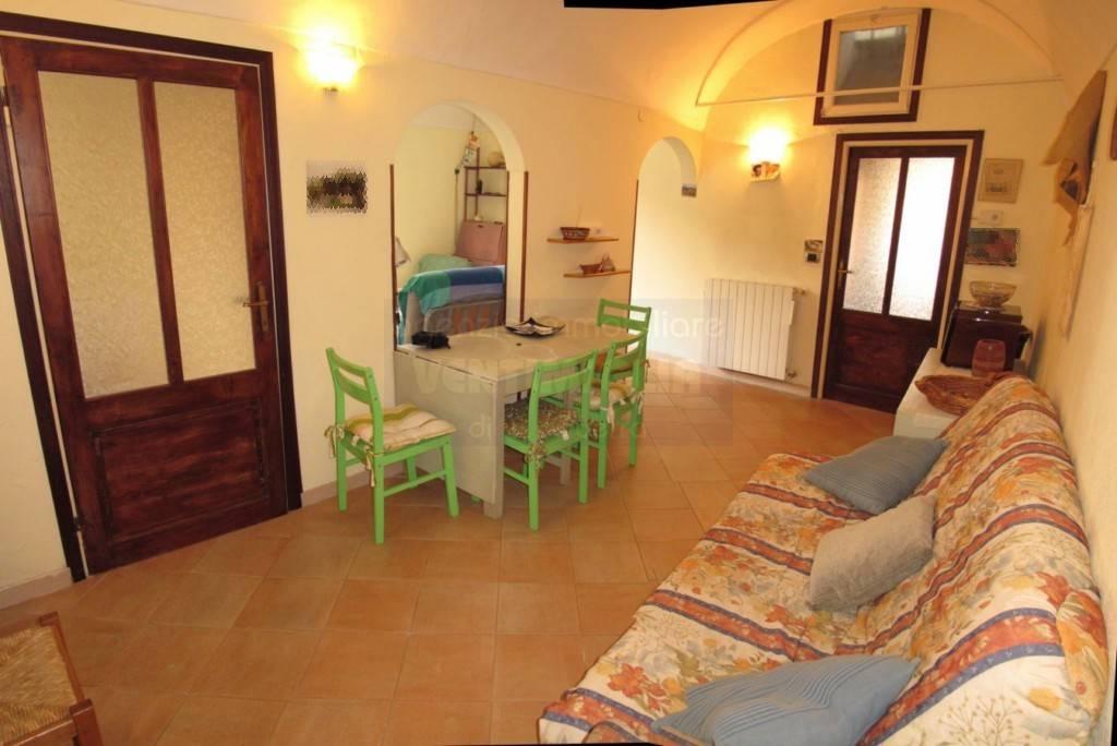 Appartamento in vendita a Camporosso, 3 locali, prezzo € 85.000   CambioCasa.it