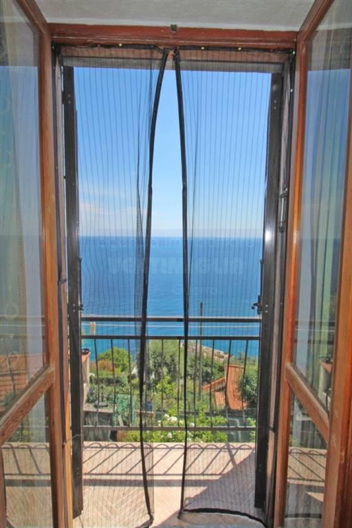 Appartamento in vendita a Ventimiglia, 3 locali, zona Zona: Grimaldi Inferiore e Superiore, prezzo € 252.000 | CambioCasa.it