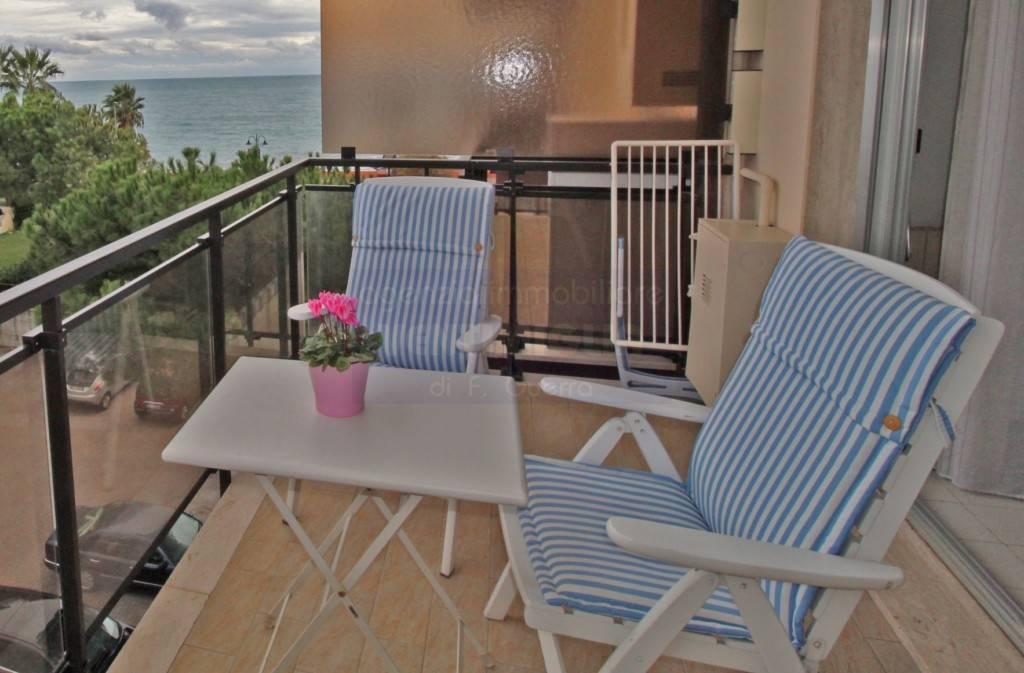 Appartamento in vendita a Ventimiglia, 1 locali, prezzo € 145.000 | CambioCasa.it