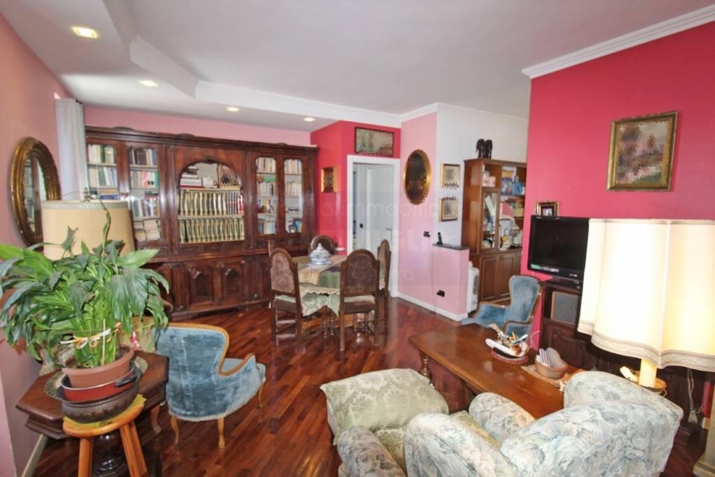 Appartamento in vendita a Ventimiglia, 3 locali, prezzo € 198.000 | CambioCasa.it