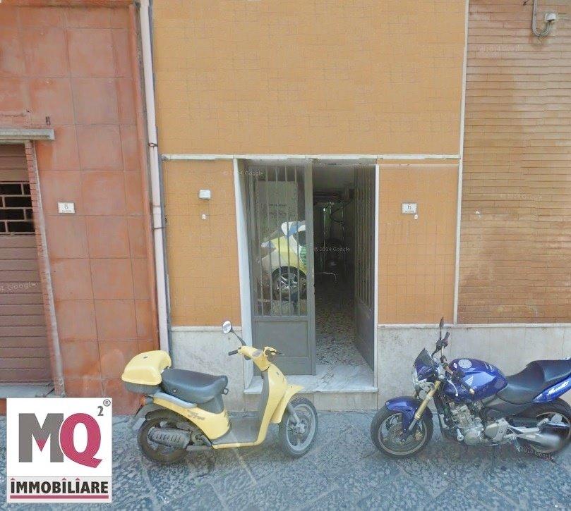 Negozio / Locale in vendita a Mondragone, 1 locali, zona Zona: Piazza, prezzo € 12.000 | CambioCasa.it