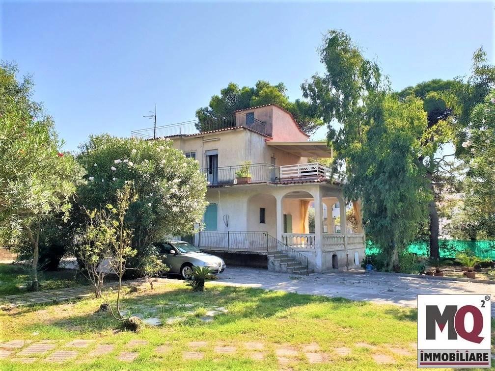 Villa in vendita a Sessa Aurunca, 4 locali, prezzo € 120.000 | CambioCasa.it