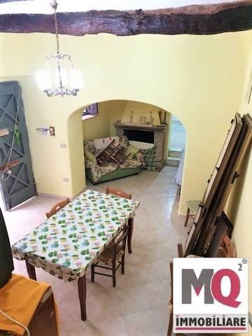 Soluzione Indipendente in vendita a Carinola, 5 locali, zona Zona: San Donato, prezzo € 25.000 | CambioCasa.it