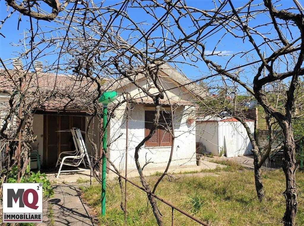 Villa in vendita a Galluccio, 2 locali, zona Zona: Galluccio, prezzo € 35.000 | CambioCasa.it