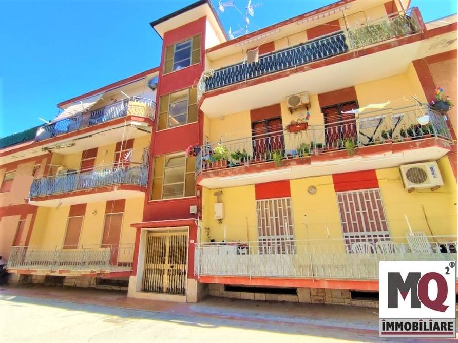 Appartamento in vendita a Mondragone, 2 locali, zona Zona: Zona Lido, prezzo € 85.000 | CambioCasa.it