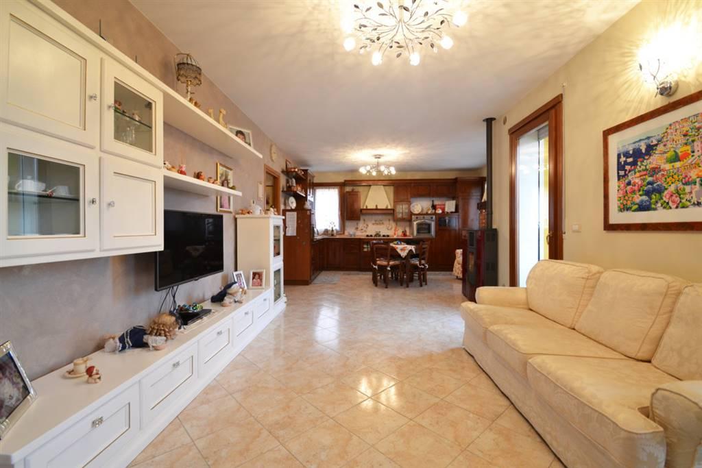 Appartamento in vendita a Montorso Vicentino, 6 locali, prezzo € 125.000 | CambioCasa.it