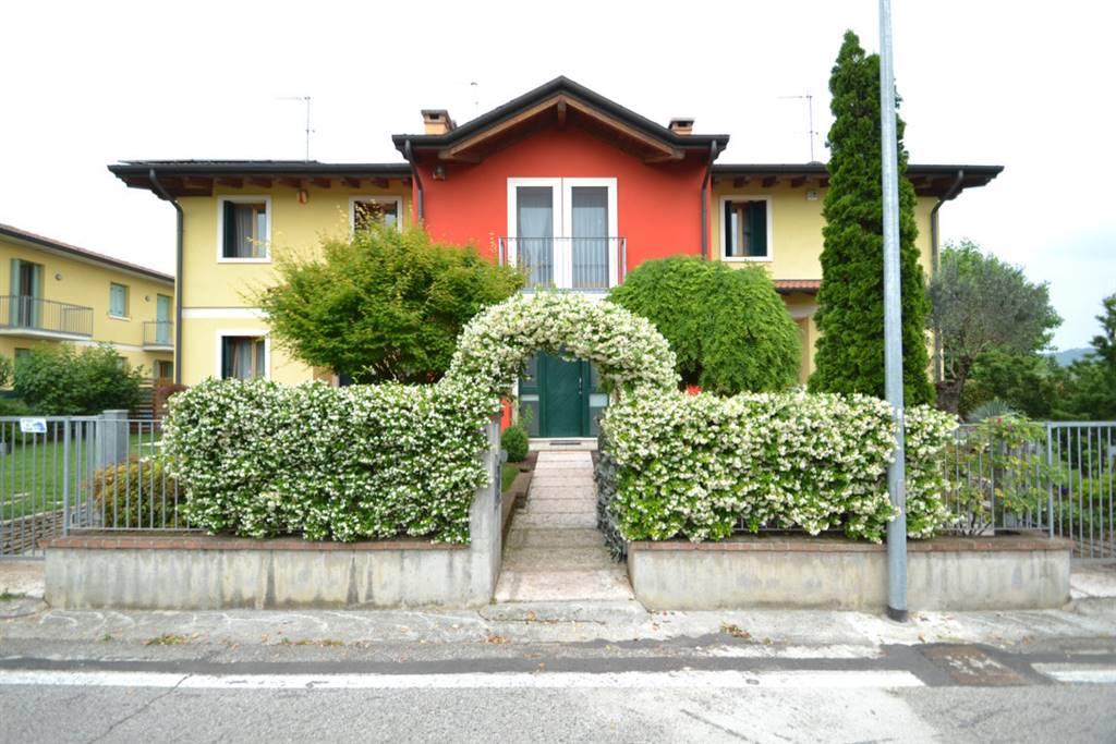 Soluzione Semindipendente in vendita a Sovizzo, 8 locali, zona Zona: Tavernelle, prezzo € 268.000   CambioCasa.it