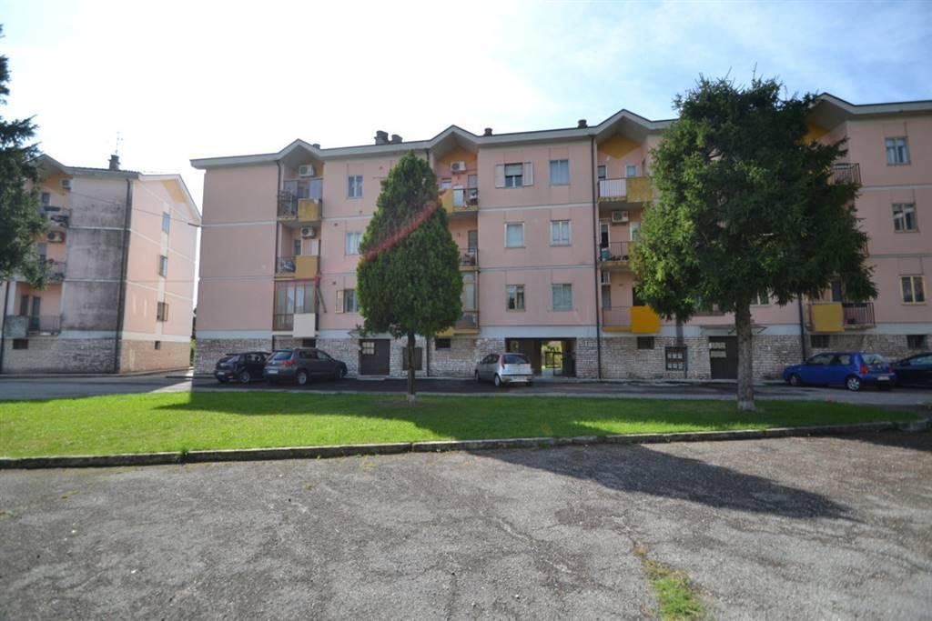 Appartamento in vendita a Montecchio Maggiore, 6 locali, prezzo € 75.000 | CambioCasa.it