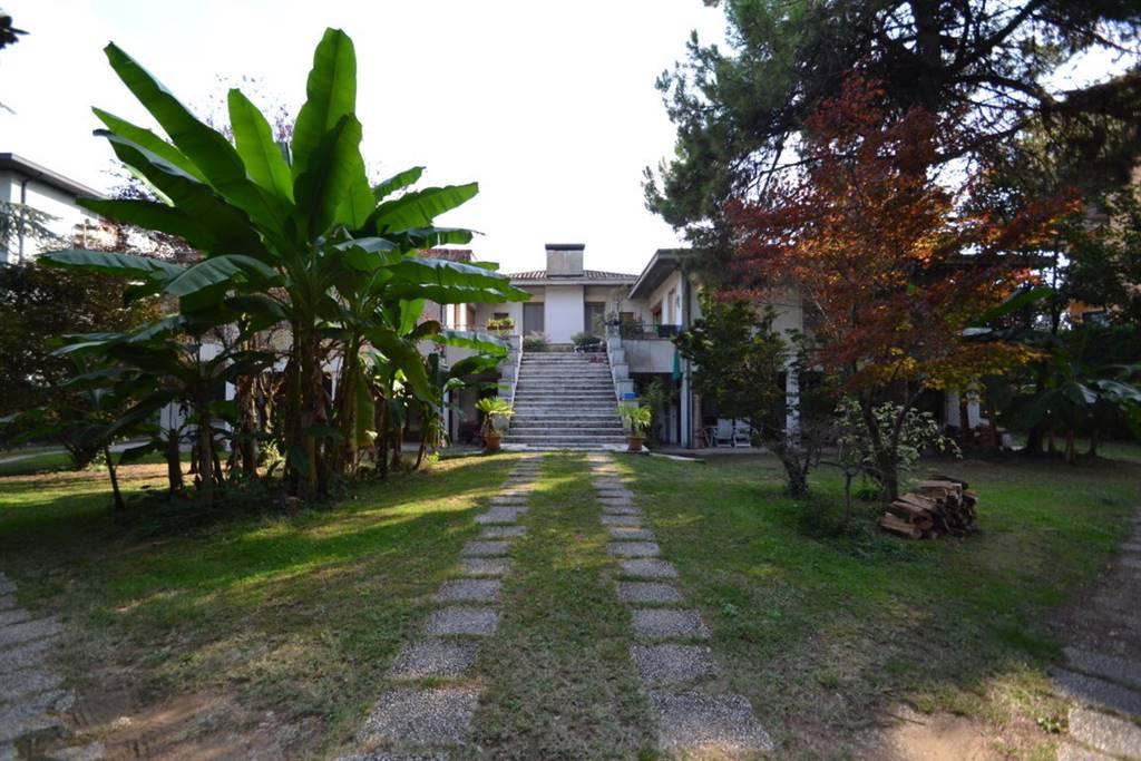 Villa Bifamiliare in Vendita a Vicenza