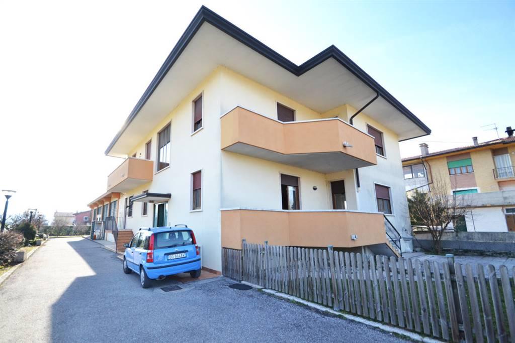 Appartamento in vendita a Trissino, 8 locali, prezzo € 110.000 | PortaleAgenzieImmobiliari.it