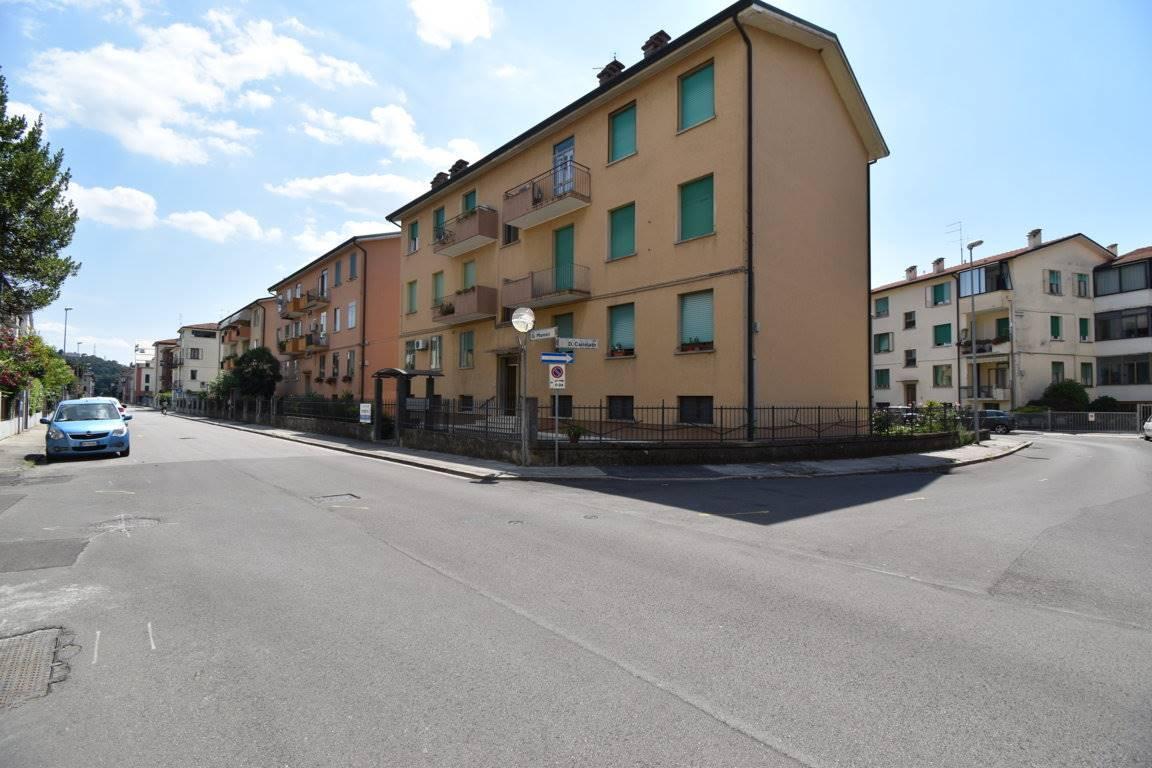 Appartamento in vendita a Vicenza, 5 locali, zona Località: VIALE TRENTO / LEGIONE ANTONINI, prezzo € 79.000 | CambioCasa.it