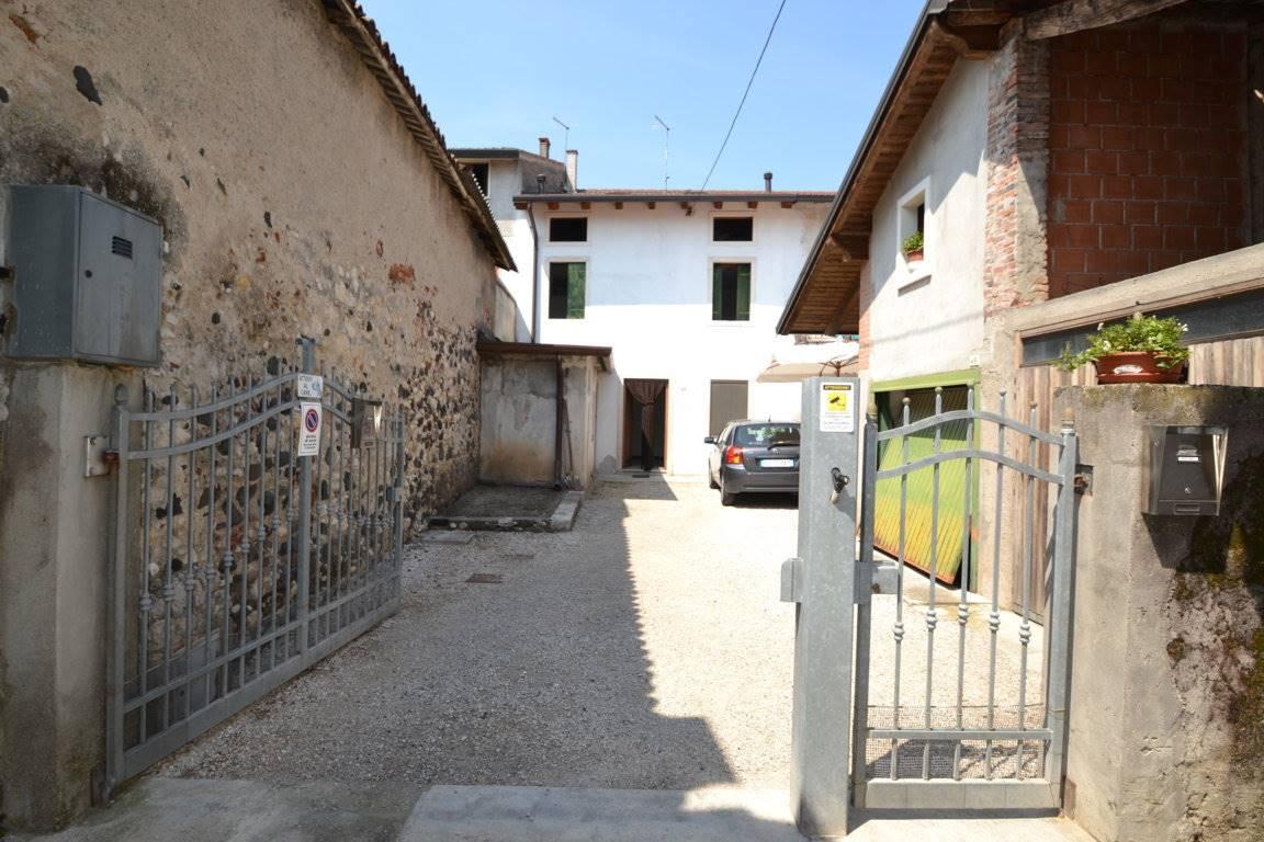 Appartamento in vendita a Trissino, 3 locali, prezzo € 45.000 | CambioCasa.it
