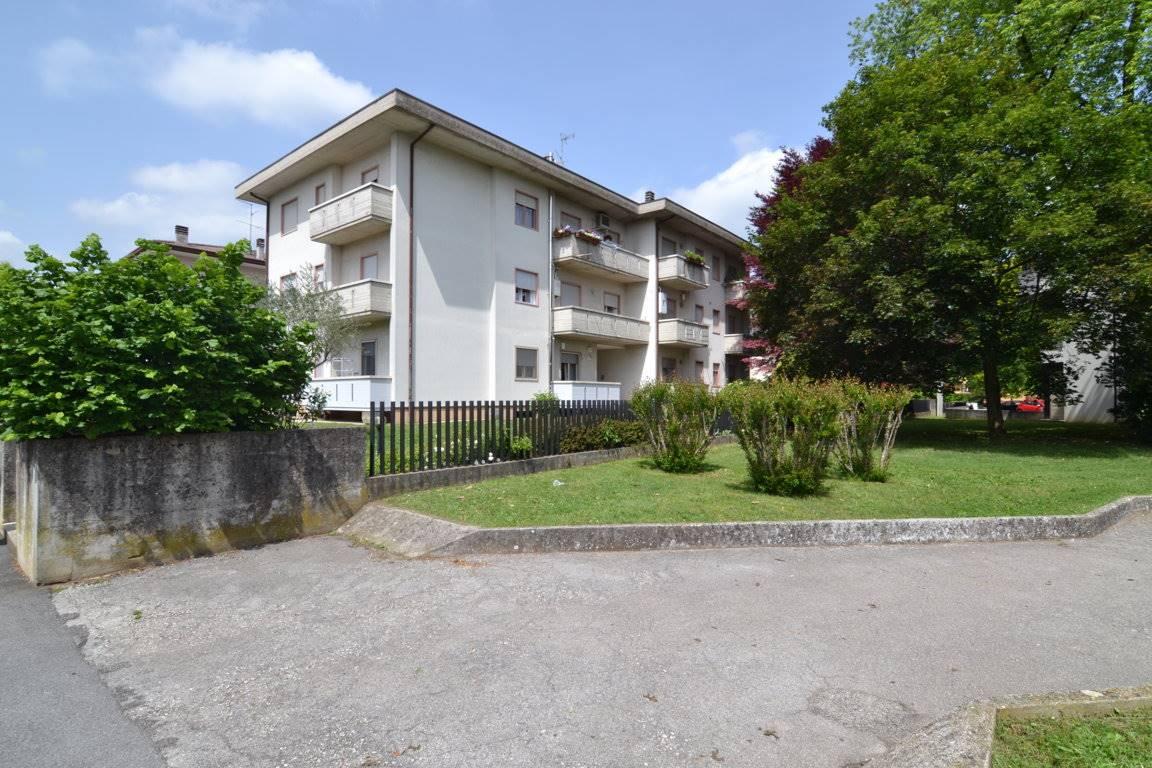 Appartamento in vendita a Sovizzo, 7 locali, prezzo € 198.000 | CambioCasa.it