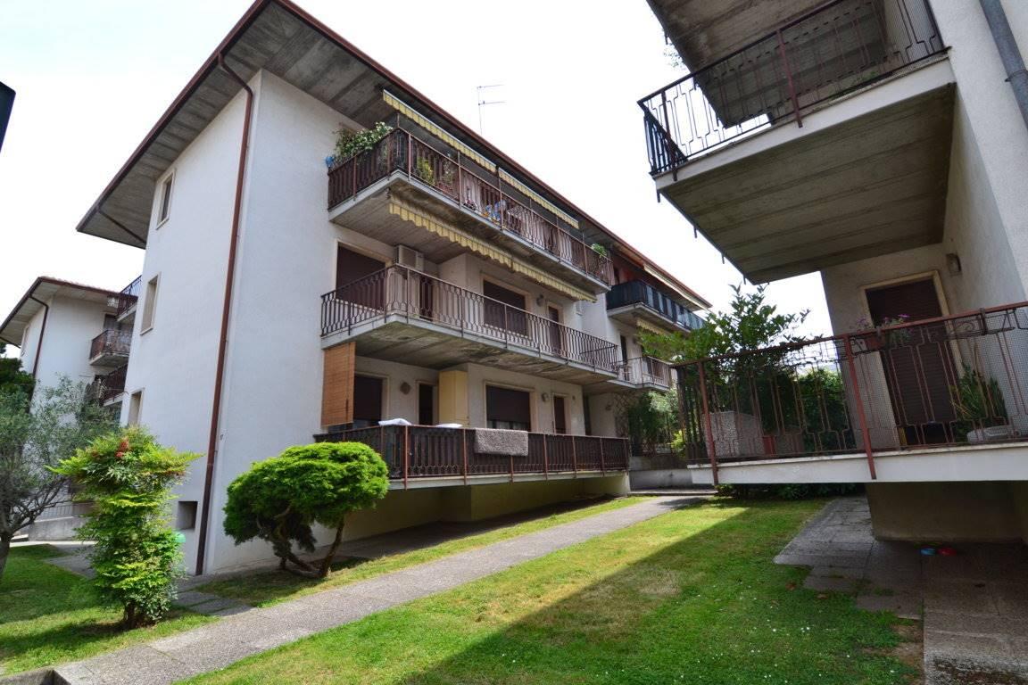 Appartamento in vendita a Vicenza, 4 locali, zona Località: SAN PIO X / STANGA / CÀ BALBI, prezzo € 110.000 | CambioCasa.it