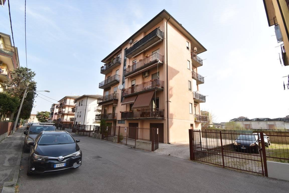 Appartamento in vendita a Vicenza, 5 locali, zona Località: VIALE TRENTO / LEGIONE ANTONINI, prezzo € 73.000   CambioCasa.it