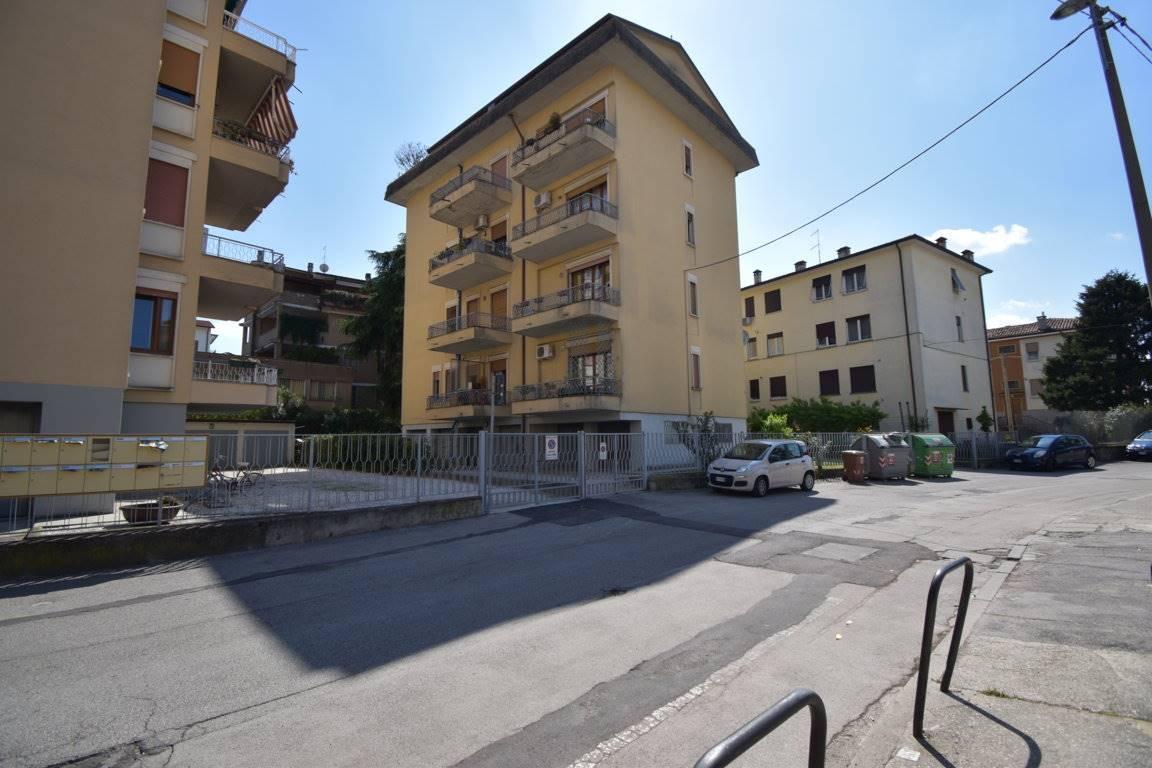 Appartamento in vendita a Vicenza, 4 locali, zona Località: SANT'ANDREA / LAGHETTO, prezzo € 104.000   CambioCasa.it
