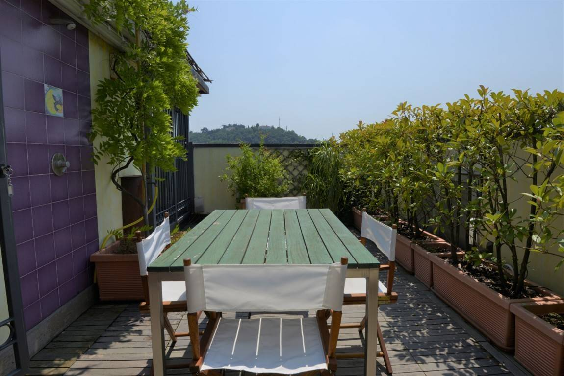 Attico / Mansarda in vendita a Vicenza, 6 locali, zona Località: VIALE CRISPI / SAN LAZZARO / CATTANE, prezzo € 349.000 | PortaleAgenzieImmobiliari.it