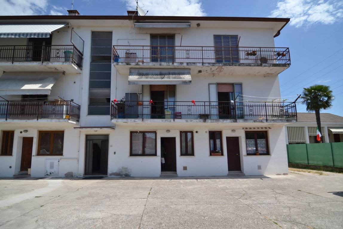 Appartamento in vendita a Montecchio Maggiore, 2 locali, prezzo € 55.000   CambioCasa.it