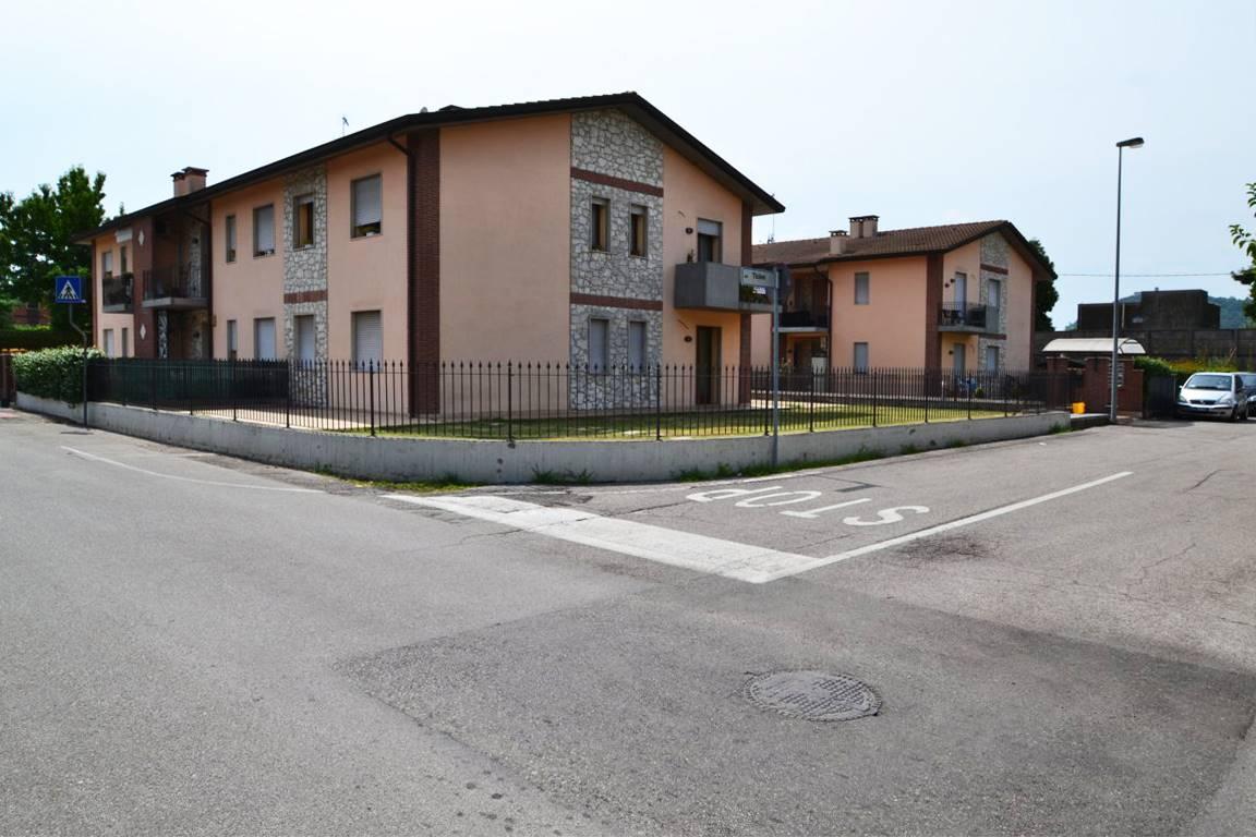 Appartamento in vendita a Montecchio Maggiore, 5 locali, zona Ceccato, prezzo € 155.000   PortaleAgenzieImmobiliari.it