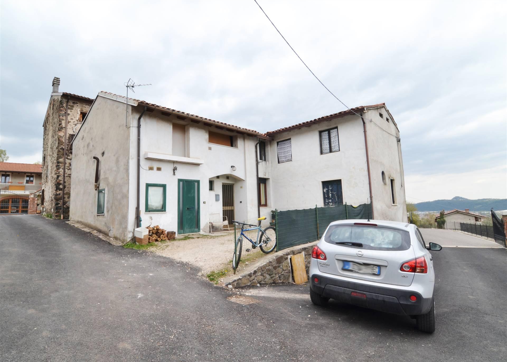 Appartamento in vendita a Trissino, 5 locali, prezzo € 78.000   PortaleAgenzieImmobiliari.it
