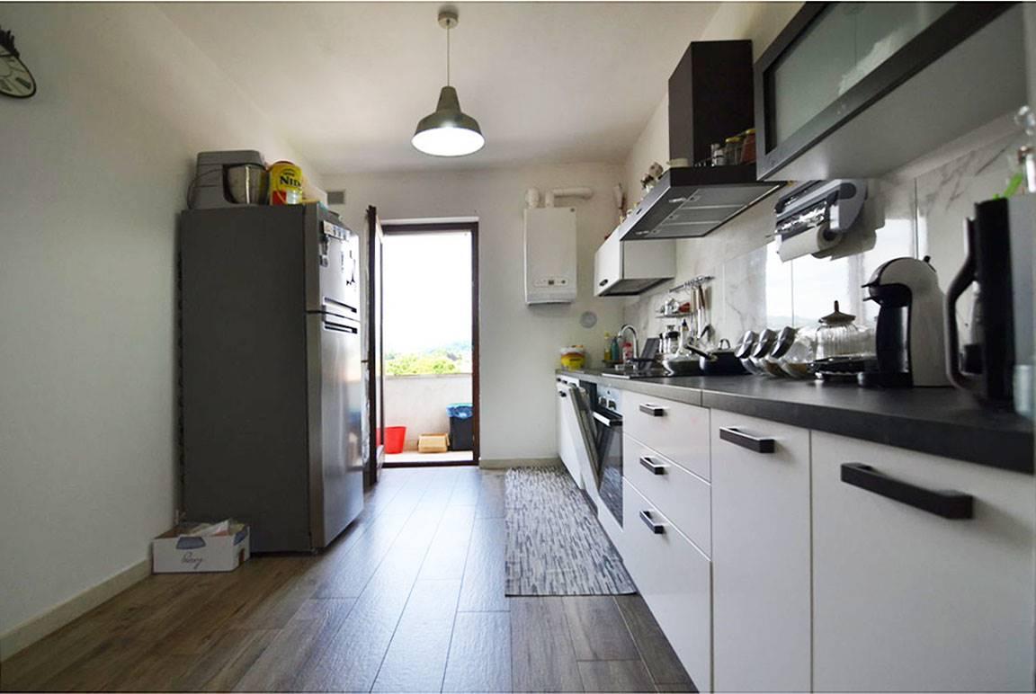 Appartamento in vendita a Trissino, 5 locali, prezzo € 85.000 | PortaleAgenzieImmobiliari.it