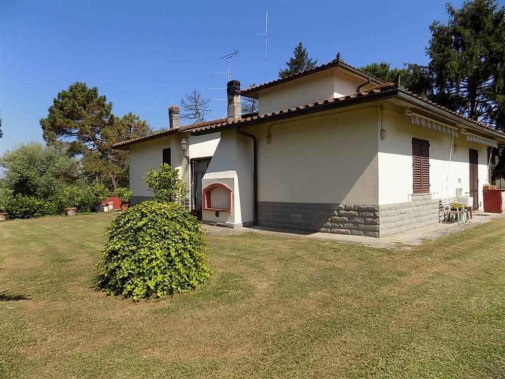 Vendita villa vicchio piano terra riscaldamento for Garage autonomo