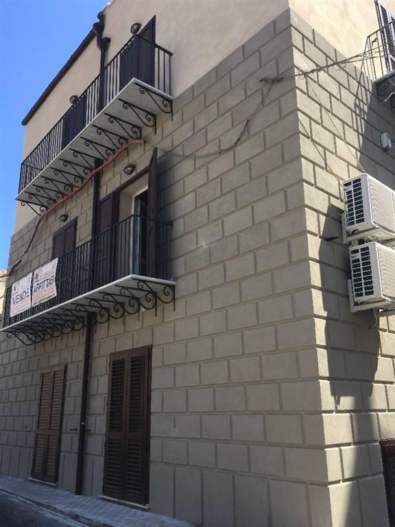 Bilocale in Via Dello Speziale 70, Centro Storico, Palermo