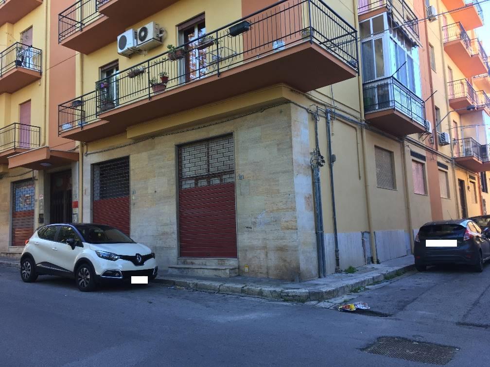 Negozio / Locale in affitto a Partinico, 5 locali, prezzo € 1.500 | CambioCasa.it