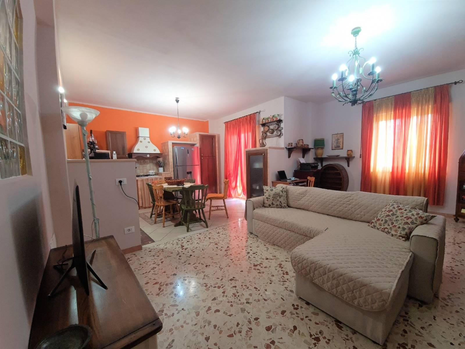 Appartamento in vendita a Bagheria, 4 locali, prezzo € 135.000 | PortaleAgenzieImmobiliari.it