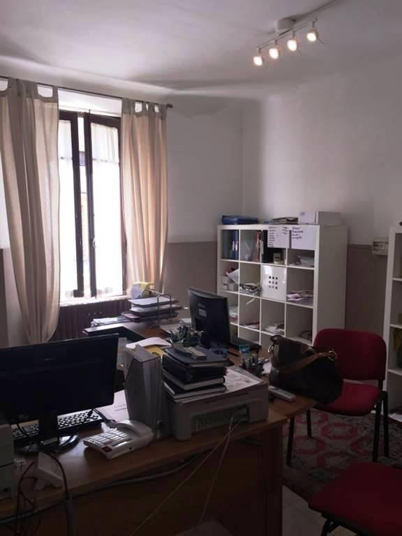Ufficio / Studio in vendita a Ancona, 5 locali, zona Zona: Q. Adriatico , prezzo € 130.000   CambioCasa.it