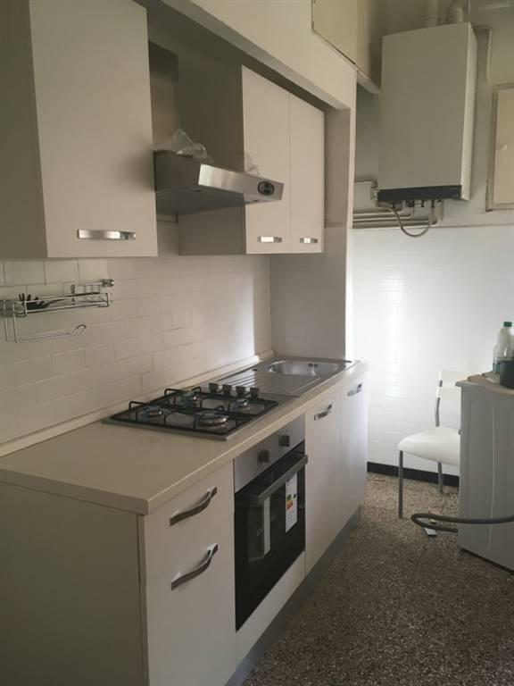 Appartamento in affitto a Ancona, 6 locali, zona Zona: Q. Adriatico , prezzo € 820   CambioCasa.it