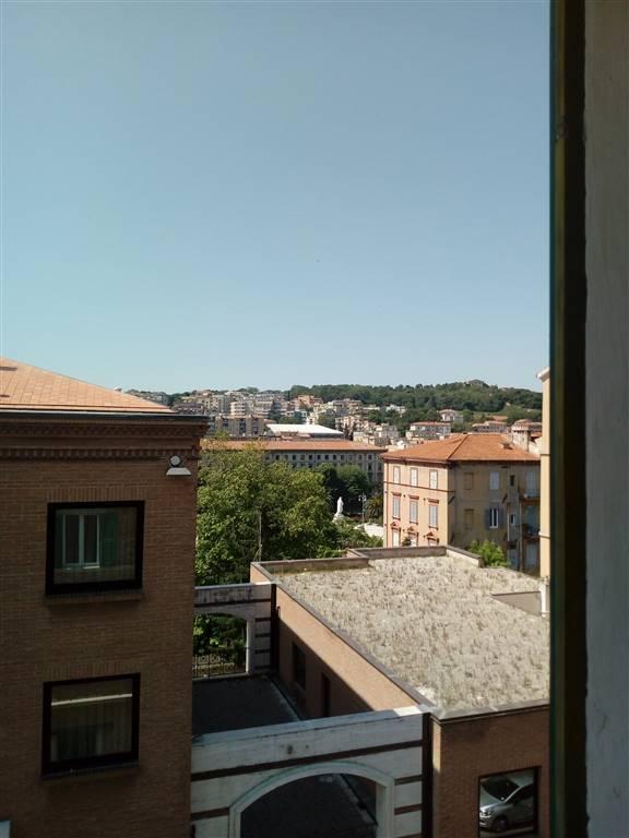 Appartamento in affitto a Ancona, 4 locali, prezzo € 600   CambioCasa.it