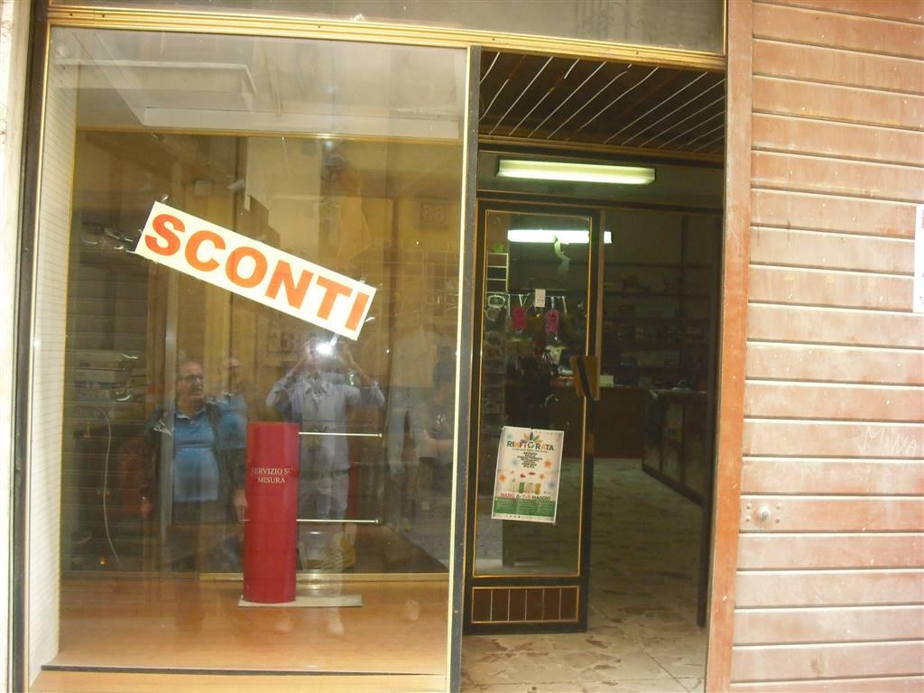negozio Affitto Naro