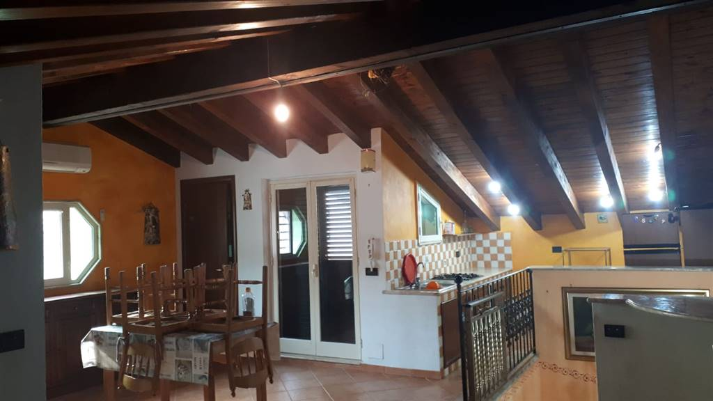 Appartamento in affitto a Campobello di Licata, 5 locali, prezzo € 250 | CambioCasa.it