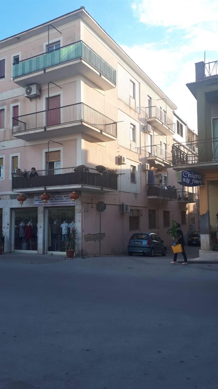 Appartamento in vendita a Campobello di Licata, 6 locali, prezzo € 40.000   CambioCasa.it
