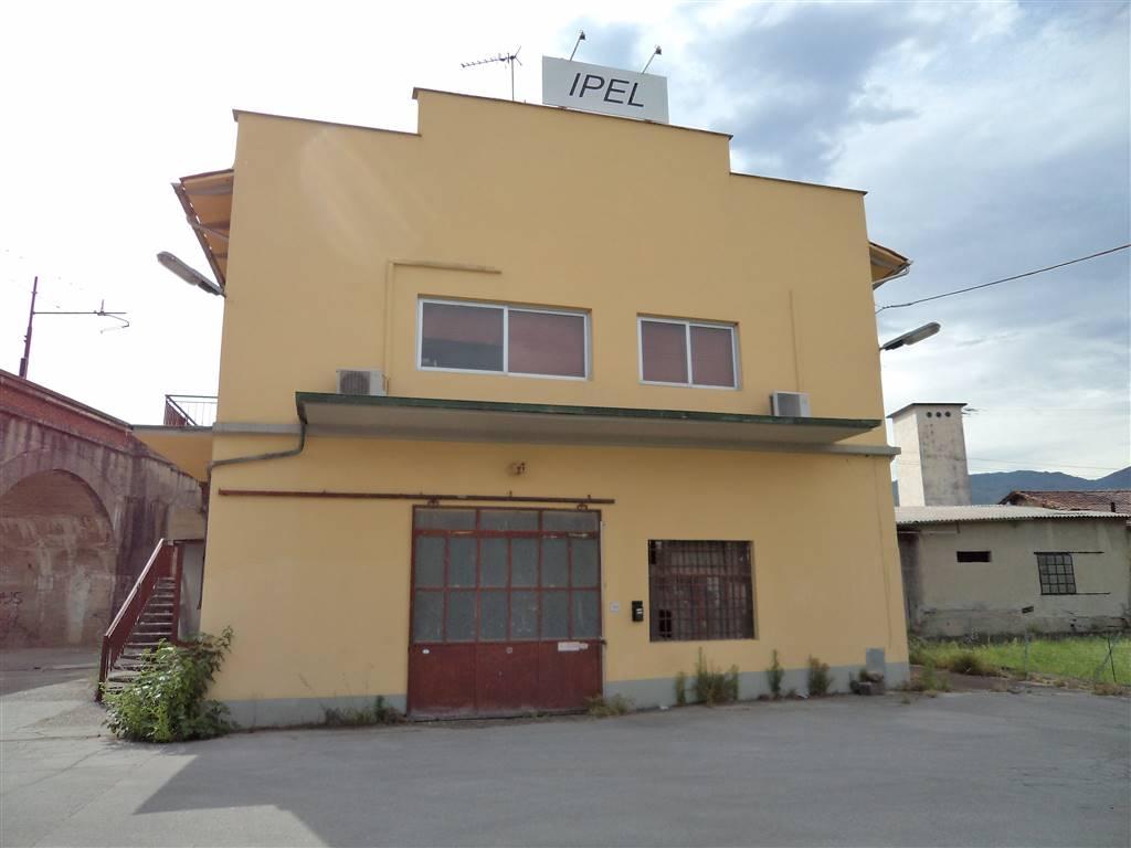 SANTALLUCIO, UZZANO, Capannone industriale in vendita di 1190 Mq, Abitabile, Classe energetica: G, Epi: 190,09 kwh/m3 anno, posto al piano Terra su 2,