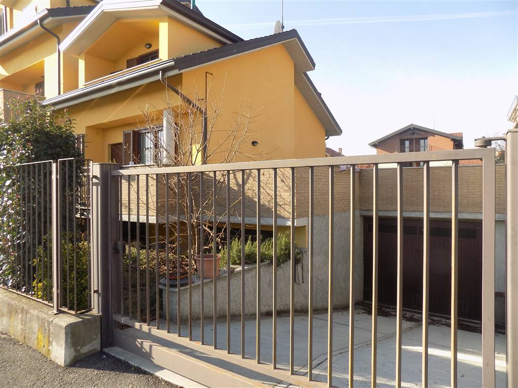 Villa, Sulbiate, seminuova