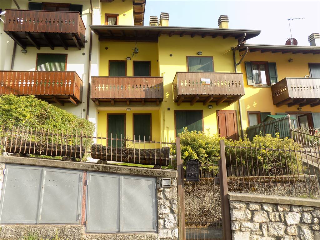 PIAZZATORRE, Apartment for the vacation for sale of 50 Sq. mt., Excellent Condition, Heating Individual heating system, Energetic class: F, Epi: 231,