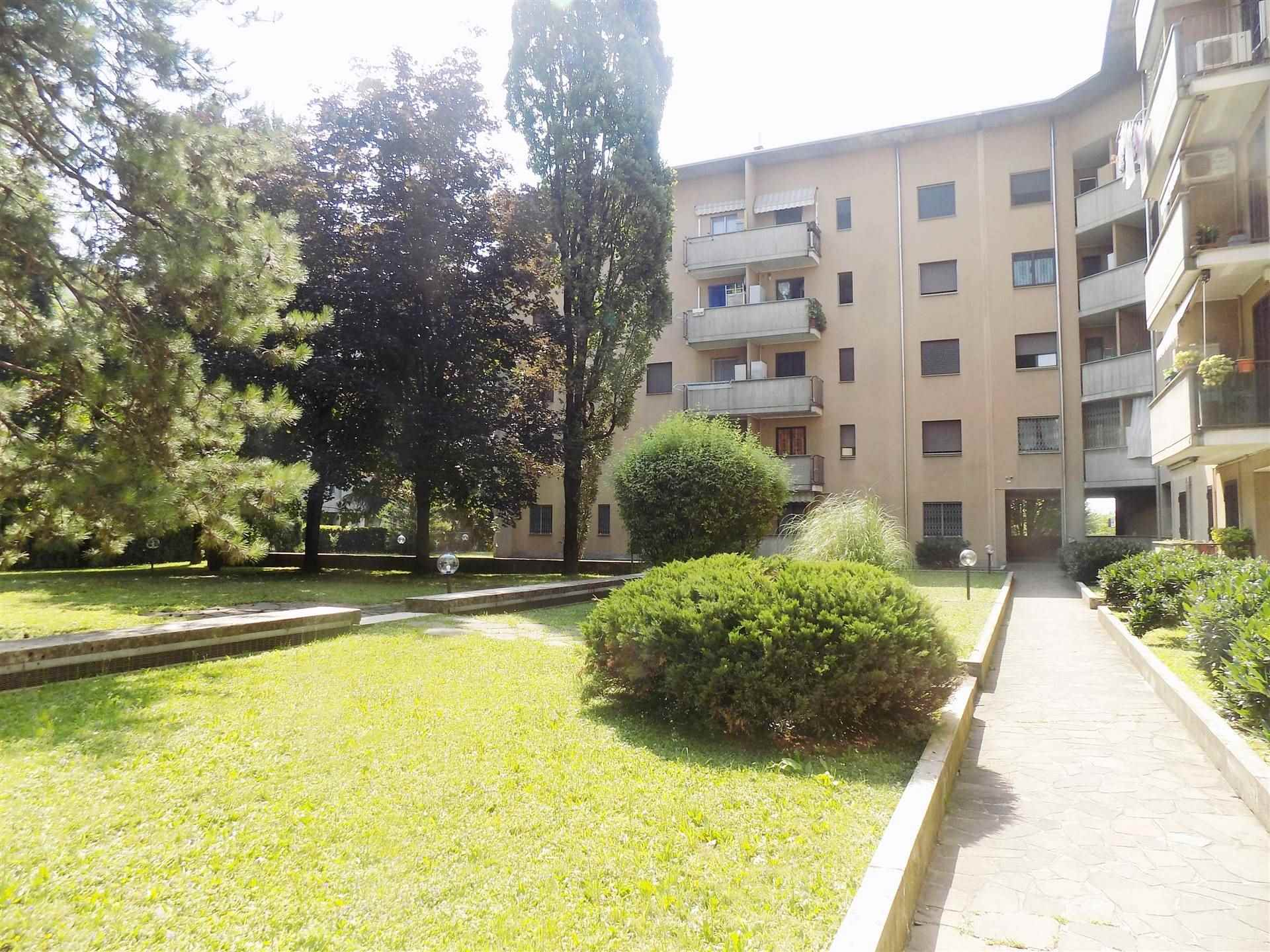 DORDERIO, BRUGHERIO, Apartment for sale of 115 Sq. mt., Good condition, Heating Individual heating system, Energetic class: F, Epi: 179,38 kwh/m2