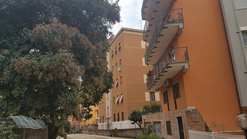 Bilocale in Via Enrico Guj, Portuense, Magliana, Roma