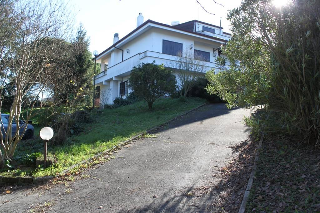 Villa in Via Del Fosso Della Castelluccia, Ardeatino, Colombo, Garbatella, Roma