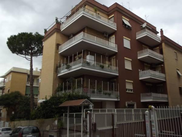 Quadrilocale in Via Giovanni Battista Falcone, Portuense, Magliana, Roma