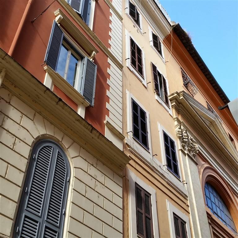 Bilocale in Via Vittoria, Centro Storico, Roma