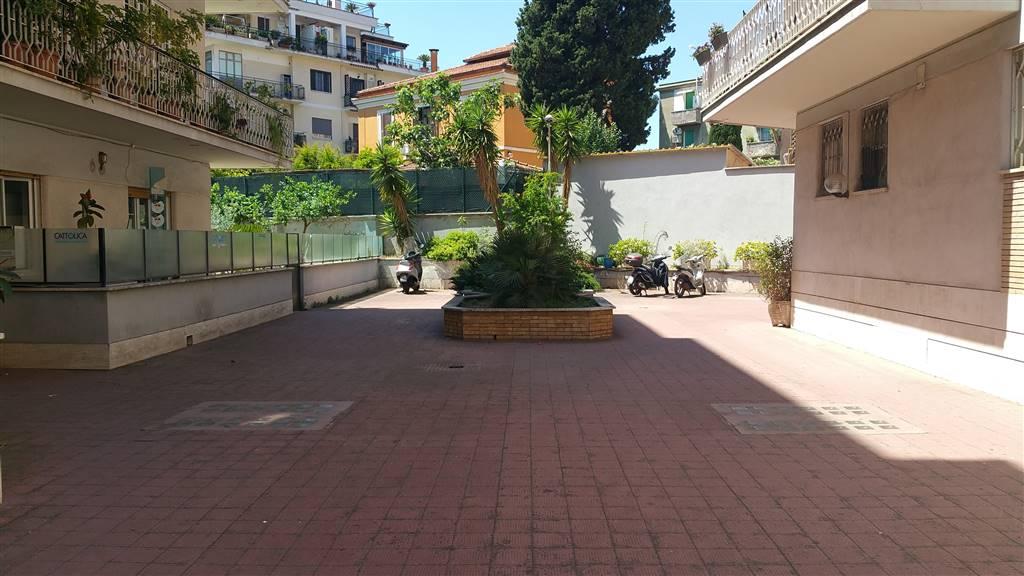 Trilocale in Via Di Bravetta, Pisana, Bravetta, Casetta Mattei, Roma