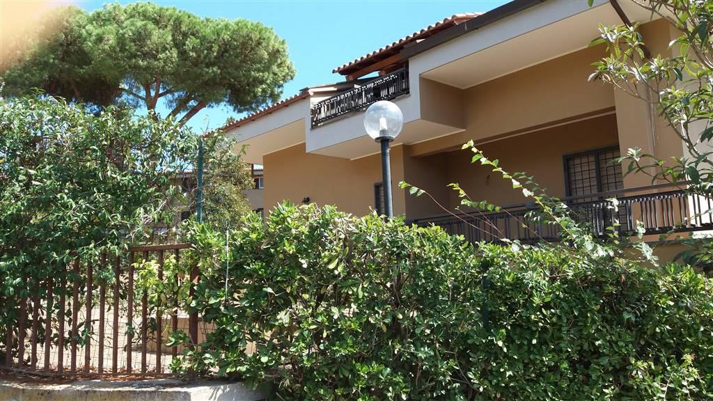 Bifamiliare in Via Del Buon Ricovero, Giustiniana, Roma