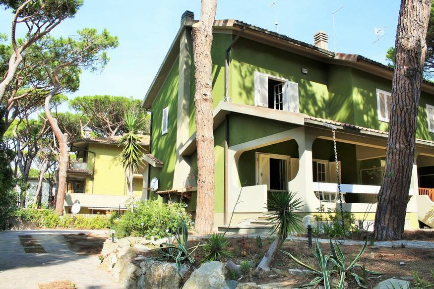 MARINA DI GROSSETO ROSMARINA, GROSSETO, Villa for sale of 130 Sq. mt., Be restored, Energetic class: G, Epi: 151,3 kwh/m2 year, placed at Raised on 2,