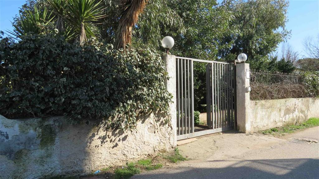 Villa in Viale Tirreno 78, Ischitella Lido, Castel Volturno