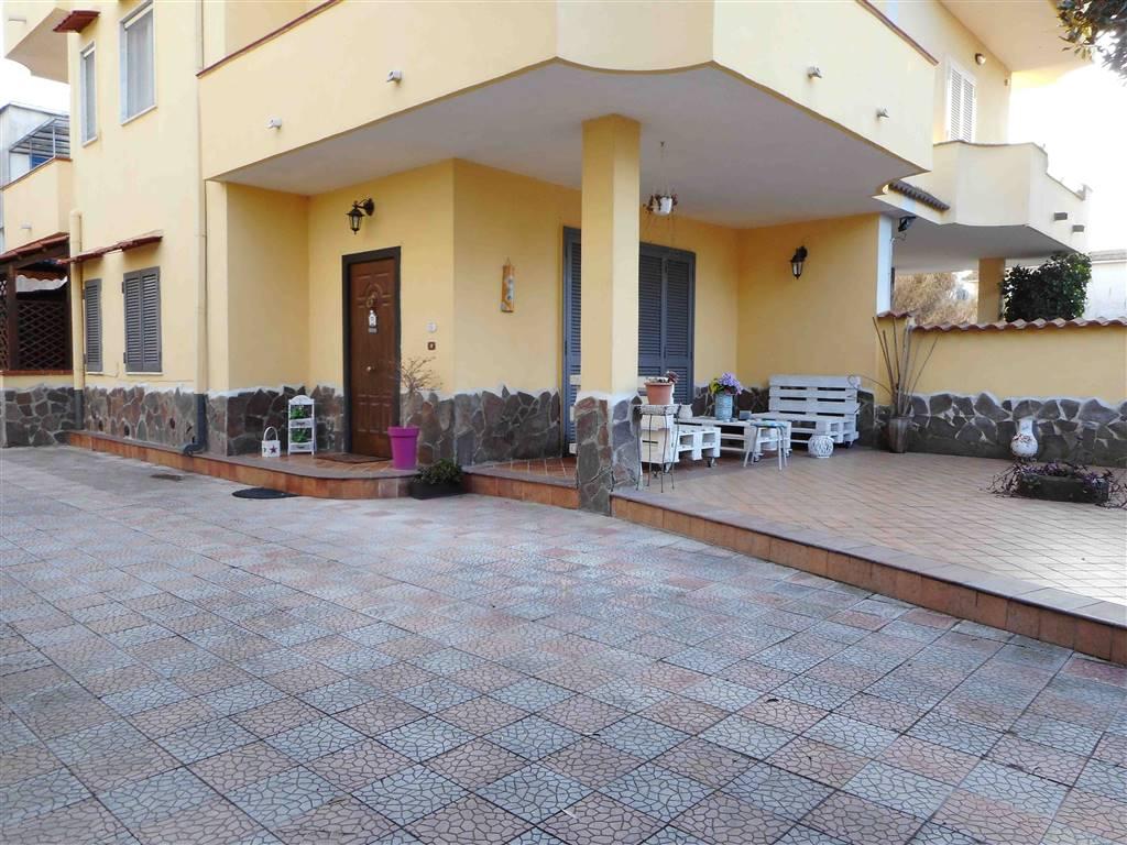 Bifamiliare, Castel Volturno, ristrutturato